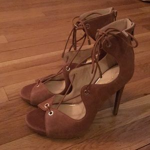 Jessica Simpson Lace Up Heels (7.5)